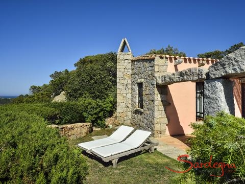 Villa Domus 9d with a small garden