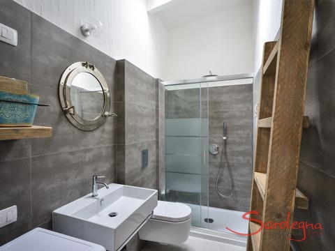 Modern bathroom 1 with glas shower