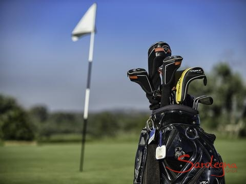Golf Is Molas con 27 buche, solo 2 km dalla casa