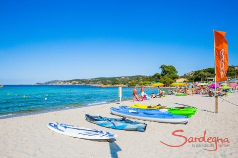 Canoe and surfboard rental on the beach of Porto Taverna