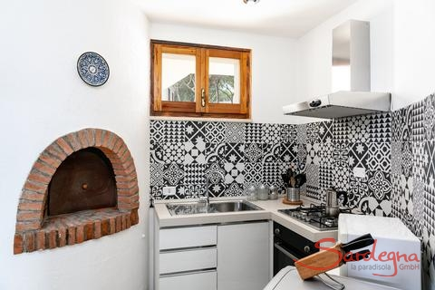 Well equipped, modern kitchen with dishwasher, oven and gas stove