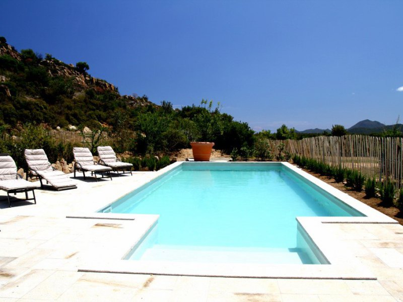 Private pool of Villa Isabelle